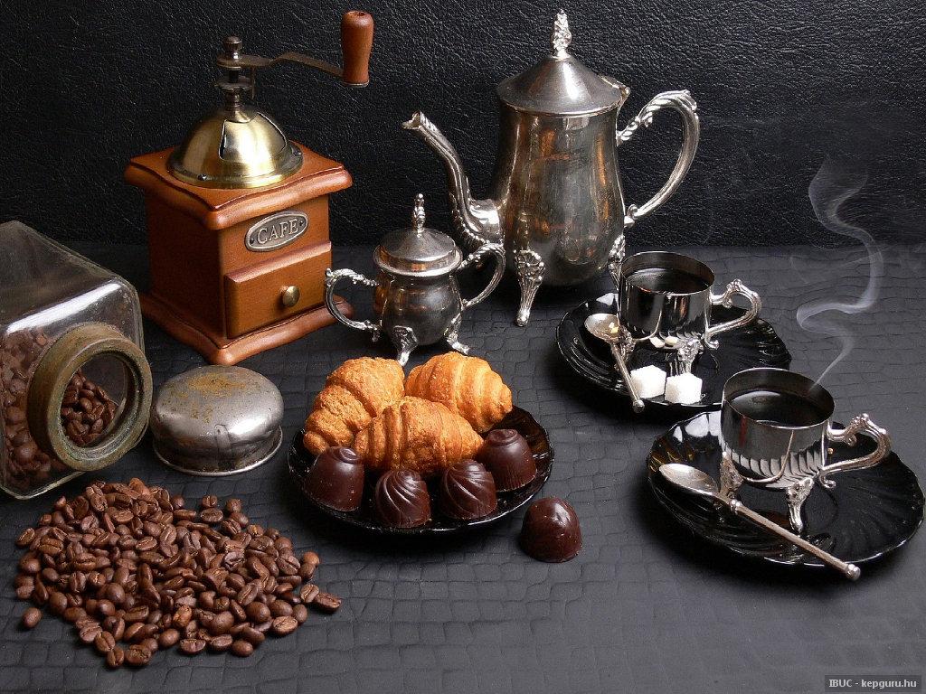 moulin caf et service caf en argent. Black Bedroom Furniture Sets. Home Design Ideas